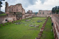 Ruinas del Foro Trajano y el Palatino. Roma.