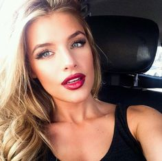 Red lips makeup