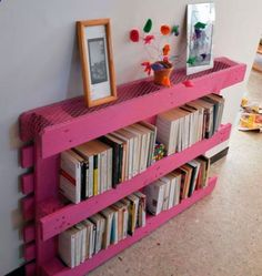 Wonderful Pallet Furnishings Concepts - Repurposing or reusing wooden pallets right into indoors or outdoors furniture has become very popular with individuals Wooden Pallet Furniture, Wood Crates, Wooden Pallets, Diy Furniture, Furniture Online, Palette Furniture, Pallet Projects, Home Organization, Diy Home Decor