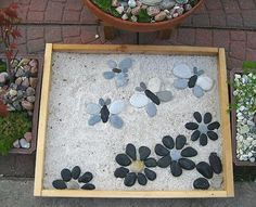 Cute Stepping Stone Idea. Not only functional but also can be used to decorate your garden. Make the walk in your garden more exciting and fun. http://hative.com/creative-stepping-stone-ideas/