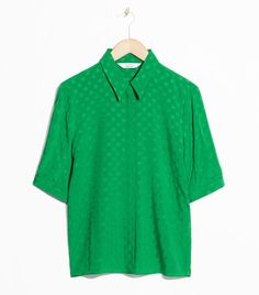 & Other Stories Relaxed-Fit Dotted Blouse Colors For Dark Skin, Dark Skin Tone, Who What Wear, Tees, Shirts, Casual Outfits, Colours, Street Style, Sweaters