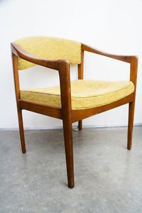Mid-Century-Modern-Lounge-Armchair-Side-Chair-Vintage-Avocado-Green-Hayes-Furn