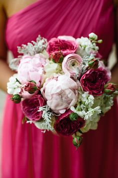 Bridesmaid dress color Photography: Joyelle West Photography | Florist: Frugal Flower, Sudbury, MA
