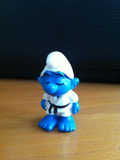 Karate Smurf! Someone find me this fast!