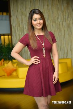 Rashi Khanna New Gallery Madras Cafe, Indian Heritage, Film Industry, India Beauty, Indian Actresses, Desi, Photo Galleries, Curvy, Short Sleeve Dresses