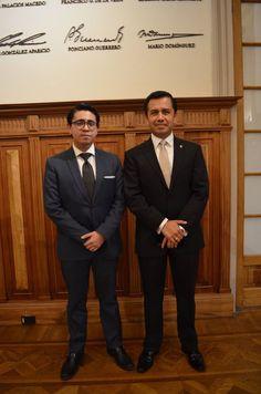 Miguel Ángel Reséndiz ex alumno de Campus Tlalnepantla y Mtro. Héctor Torres Sánchez.