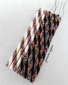 Native Beading Patterns, Bead Crochet Patterns, Bead Crochet Rope, Beaded Jewelry Patterns, Crochet Beaded Bracelets, Bead Loom Bracelets, Crochet Necklace, Loom Bracelet Patterns, Bead Jewellery