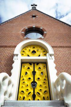 Door of Military Hospital in Ostend, Belgium Modern Entrance Door, Door Entryway, Entrance Doors, Doorway, Cool Doors, Unique Doors, Door Knockers, Door Knobs, Yellow Doors