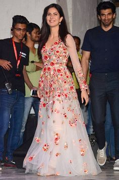 Best dressed this week: Katrina Kaif and Sridevi Indian Party Wear, Indian Wedding Outfits, Indian Outfits, Indian Wear, Indian Celebrities, Bollywood Celebrities, Bollywood Fashion, Indian Bollywood, Bollywood Stars