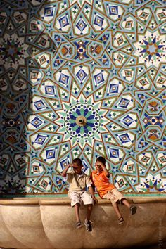 Another amazing pattern on tiles Casablanca , Morocco Marrakech, Islamic Architecture, Art And Architecture, Style Marocain, Arte Fashion, Pictures Images, Photos, Moroccan Style, Moroccan Colors