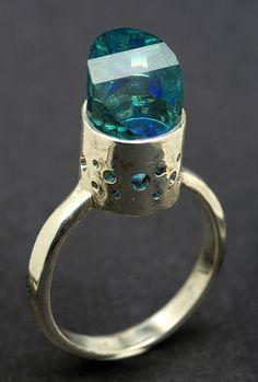 Me encanta la piedra, el anillo no tanto