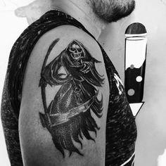 #Santa #muerte #santamuerte #skull #tattoos #blacktattoos #inked #tatuajsxalapa #Tatuajes  Por @irie135