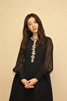 Han Hyo-joo (한효주) Born February 22, 1987 Cheongju, North Chungcheong Province, South Korea. Actress.
