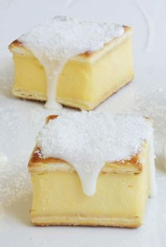 Divine Vanilla Slice - Guide Recipe - The ingredients and how to make it please visit the website Recipes Yummy Treats, Delicious Desserts, Sweet Treats, Baking Recipes, Cake Recipes, Dessert Recipes, Dessert Ideas, Custard Slice, Ma Baker