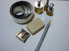 First you need: pancil, difrent size of cutters, white paper...