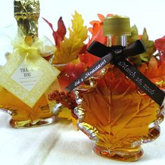 Autumn Wedding Favors – For favors, give guests cinnamon and apple scented potpourri, small bottles of maple syrup or maple sugar. Or make some maple flavored sea glass candy!