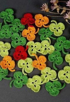 Crochet Art, Crochet Motif, Crochet Crafts, Crochet Doilies, Crochet Leaves, Crochet Flowers, Baby Knitting Patterns, Crochet Patterns, Outline Art