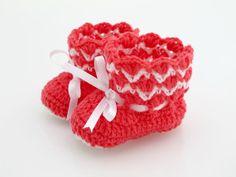 Crocheted Baby Girl Booties. Newborn. Socks.