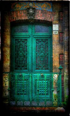 Love the texture action in this colorful doorway.