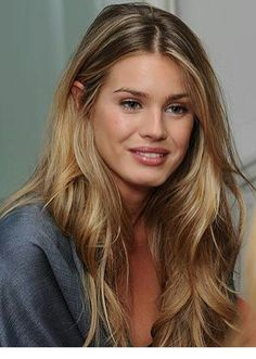 20 hair color trends for fall and winter 2019 highlights 18 - Couleur Cheveux 01 Beauté Blonde, Blonde Honey, Warm Blonde Hair, Medium Blonde Hair, Bleach Blonde, Beautiful Hair Color, Beautiful Beautiful, Corte Y Color, Lace Hair