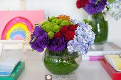 Decoração Festa Tema Artes para meninas Colorido - Arts party for girls colorful #bellafiore #festa #festainfantil #party #decor #decoração #artes #menina #arranjo #flores