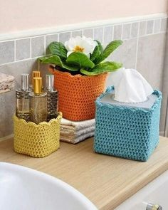 This is the most adorable idea ever! Crochet covers for your containers to add some color and a 'homey' feel! Love Crochet, Crochet Gifts, Knit Crochet, Tissue Box Covers, Tissue Boxes, Mollie Makes, Crochet Home Decor, Crochet Kitchen, Household Items