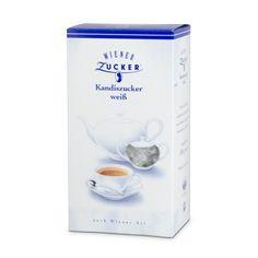 """Wiener Kandiszucker weiß. Die besonders großen Zuckerkristalle werden in einem aufwendigen Verfahren durch langsames Kristallisieren aus konzentrierter Zuckerlösung gewonnen. Er unterstreicht das Aroma wertvoller, zarter Teesorten und gibt ihnen eine besonders feine, exklusive Note. Kandiszucker eignet sich auch bestens zum Ansetzen von """"geistigen"""" und """"nicht geistigen"""" Getränken."""