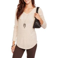 No Boundaries Juniors' Essential Long Sleeve V-Neck Ribbed Tee, Size: 2XL, Beige
