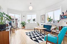 (1) FINN – TØYEN - Lys og romslig 2-roms selveierleilighet med balkong - topp- og hjørneleilighet - varmtvann og fyring inkl.