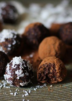 Rum Cardamom Fig Chocolate Truffles - vegan, naturally sweetened, and healthy! Perfect for giving as gifts over the holidays