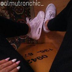 Instagram: @almutronchic_