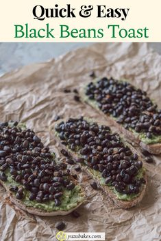 How to make delicious, quick and easy black beans toast for breakfast. This vegan recipe is packed with protein and super filling to start the day fresh. #beans #toast #breakfast #vegan