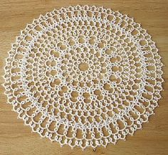 Clover Doily .... with free tatting pattern