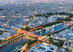 Louvre Panorama by Bianca Poroliseanu     Paris,   a cidade da luz, romântica, eloquente, majestosa, nas margens do Sena, te elevas e...