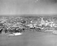 Aerial view of downtown Miami in the 1930s from the mouth of the Miami River looking west.