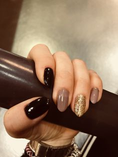 Different nail art designs and pictures for beautiful girls - Nail Polish Ide . - Different nail art designs and pictures for beautiful girls – Nail Polish Ideas - Fancy Nails, Cute Nails, My Nails, Dark Nails, Black Gold Nails, Stylish Nails, Trendy Nails, Nail Polish, Girls Nails