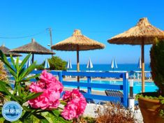 Pauschalreisen-nach-Kreta Bed & Breakfast, Patio, Outdoor Decor, Home Decor, Vacation Package Deals, Vacation, Decoration Home, Room Decor, Home Interior Design