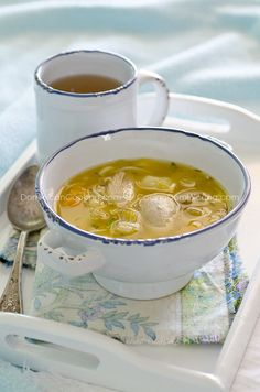 Caldo de gallina vieja o pollo (Old hen / chicken soup)