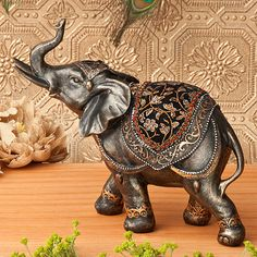 Celebrate the Indian wedding with the breathtaking elephant 8 statue. A symbol of good fortune and a blessing for the bride and groom, each elephant statue is intricately decorated. Indian Elephant, Elephant Love, Elephant Art, Elephant Gifts, Elephant Sculpture, Lion Sculpture, Elephant Home Decor, Elephants Never Forget, Pomes