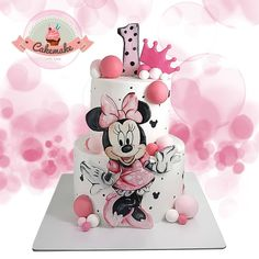 Cakemake with love💖 Minni Mouse Cake, Mickey And Minnie Cake, Minnie Mouse Birthday Cakes, Bolo Minnie, Mickey Cakes, Baby Birthday Cakes, Mickey Mouse Birthday, Minnie Mouse Party, Baby Girl Cakes