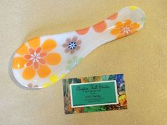 Fused Glass Spoon Rest Retro Flowers II by chneos on Etsy Retro Flowers, Glass Coasters, Glass Flowers, Kitchen Stuff, Spoon Rest, Glass Ornaments, Fused Glass, Christmas Ideas, Glass Art