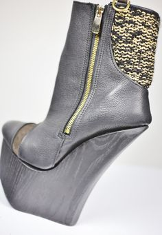 Neulekenkä! Wedges, Boots, Gold, Fashion, Crotch Boots, Moda, Fashion Styles, Shoe Boot, Fashion Illustrations