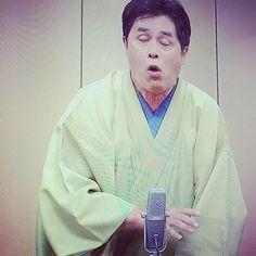 【hayashitokeiho】さんのInstagramの写真をピンしています。《【落語のすすめ】スイッチョーン‼︎の一コマ(笑) 落語では各々専売特許となりがちな演目が多い中コノ〝寝床〟に関しては#志ん生#文楽#圓生 と名だたる噺家がそれぞれ独創を発揮し語り継いできた🎙そういう意味では珍しい#落語 と言えます〆(ノ_<)🎶 故#立川談志 家元にイリュージョン落語とまで言わしめた#立川志らく 師匠の一席😂💦ホント腹が痛い笑笑💦#🇯🇵#👘#🍣#rakugo#立川流#落語#抱腹絶倒#お笑い#爆笑#ギャグ#連発#笑う#健康#三重県#津市#林#親父#時計屋#休日の過ごし方》