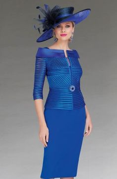 This knee length dress features a flattering peplum design at the waist with a diamante brooch. The dress also features elbow length sleeves. Mother Of Bride Outfits, Mother Of Groom Dresses, Bride Groom Dress, Groom Outfit, Mother Of The Bride, Modest Dresses, Casual Dresses, Dresses With Sleeves, Short Fitted Dress
