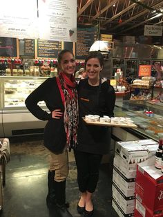 Holiday Shopping at La Grande Orange Grocery & Pizzeria