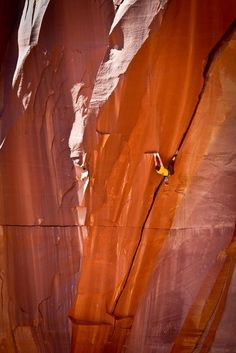 Pete Whittaker on the first flash ascent of Belly Full of Bad Berries, Indian Creek, Utah.
