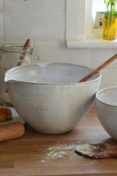 Practical Ceramic Pottery - Fun and Easy DIY • OrganizedLifestyle.co Slab Pottery, Pottery Bowls, Ceramic Pottery, Ceramic Wall Lights, Appetizer Dishes, Ceramic Spoons, Mixing Bowls, Mortar And Pestle, Tea Light Holder