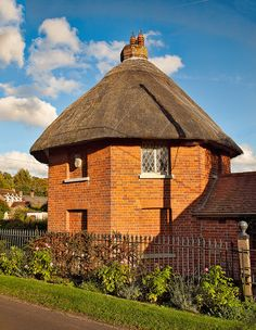 'The Round House', a quaint 19th Century octagonal thatched lodge at Stoke in Hampshire by Anguskirk on Flickr