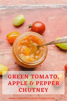 Green Tomato, Apple & Pepper Chutney is the perfect way to use the last tomatoes of the season. Combining green tomatoes with apple and sweet peppers makes a sweet fruity chutney that is ideal as a gift #tomato #apple ##pepper #chutney #recipe #easy #gift #holidays Relish Recipes, Chutney Recipes, Jam Recipes, Canning Recipes, Vegan Recipes Easy, Veggie Recipes, Green Tomato Chutney Recipe, Green Tomato Recipes, Sauces