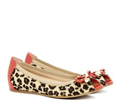 Leopard print flats with peep-toe and bow